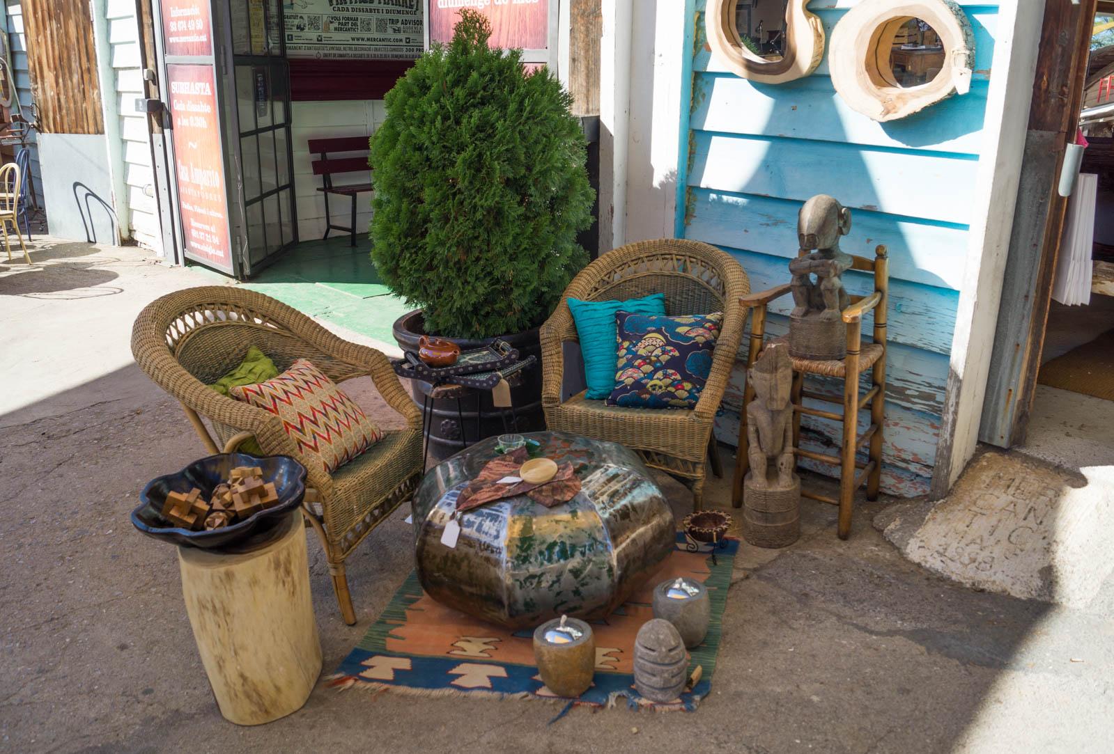 Mercantic vintage flea market