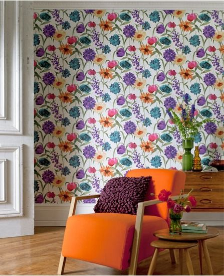 Floral statement wallpaper