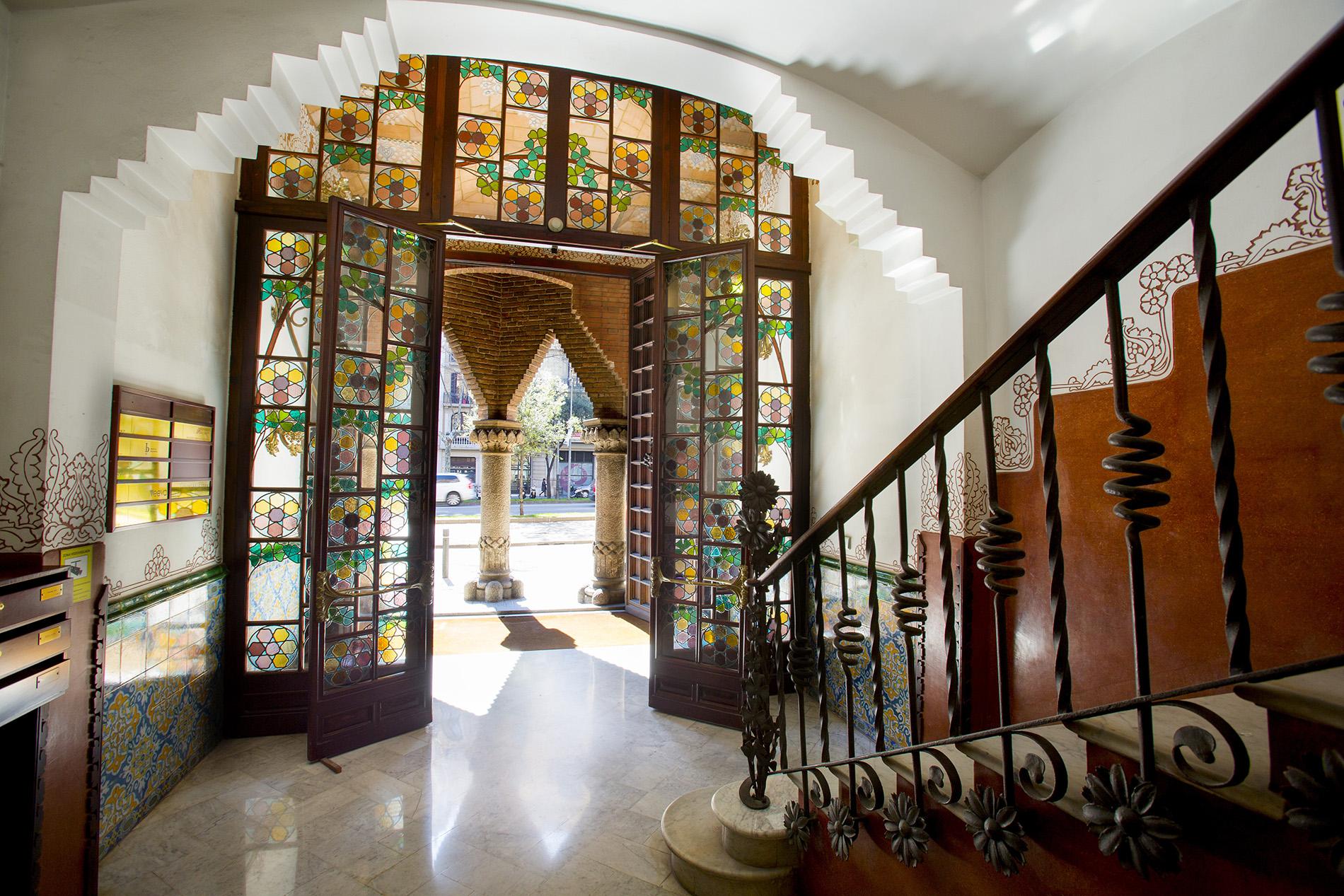 Barcelona 5 modernist houses you can visit half price colour your casa - Casa de las punxes ...