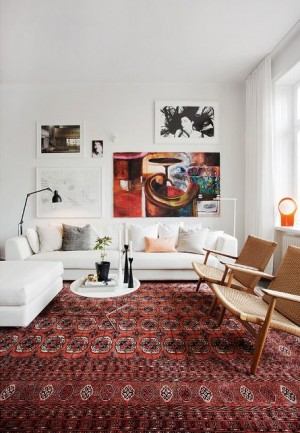 Big living room with a terracotta carpet