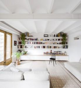 Wall-to-wall bookshelves