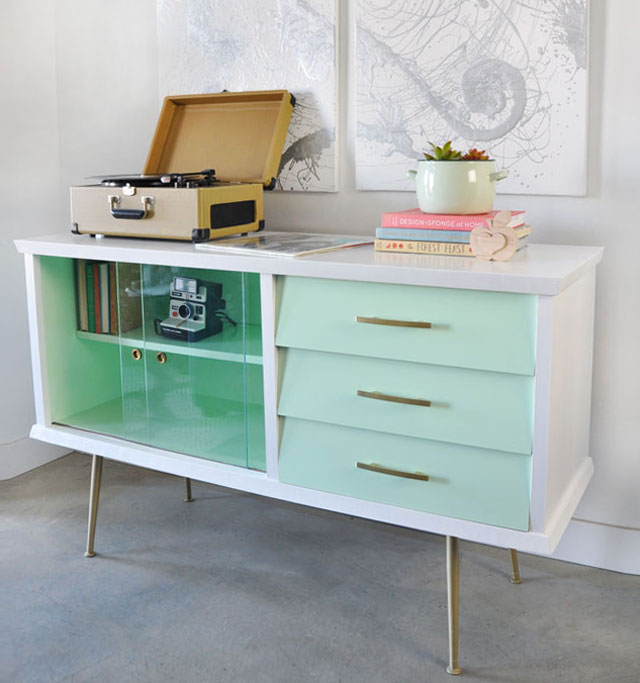 Mid-century sideboard white and mint makeover