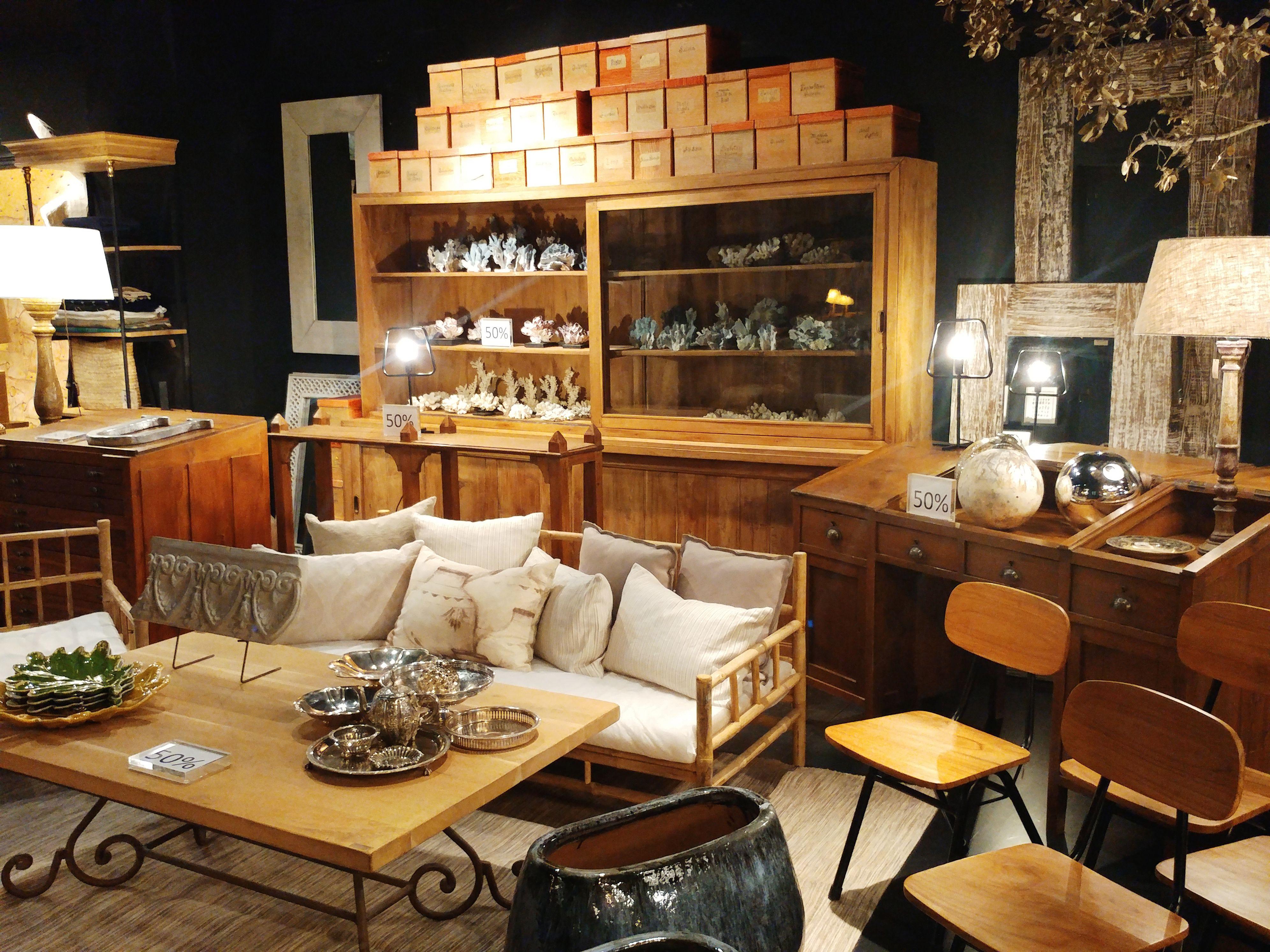 Azul Tierra luxurious furniture shop in Barcelona