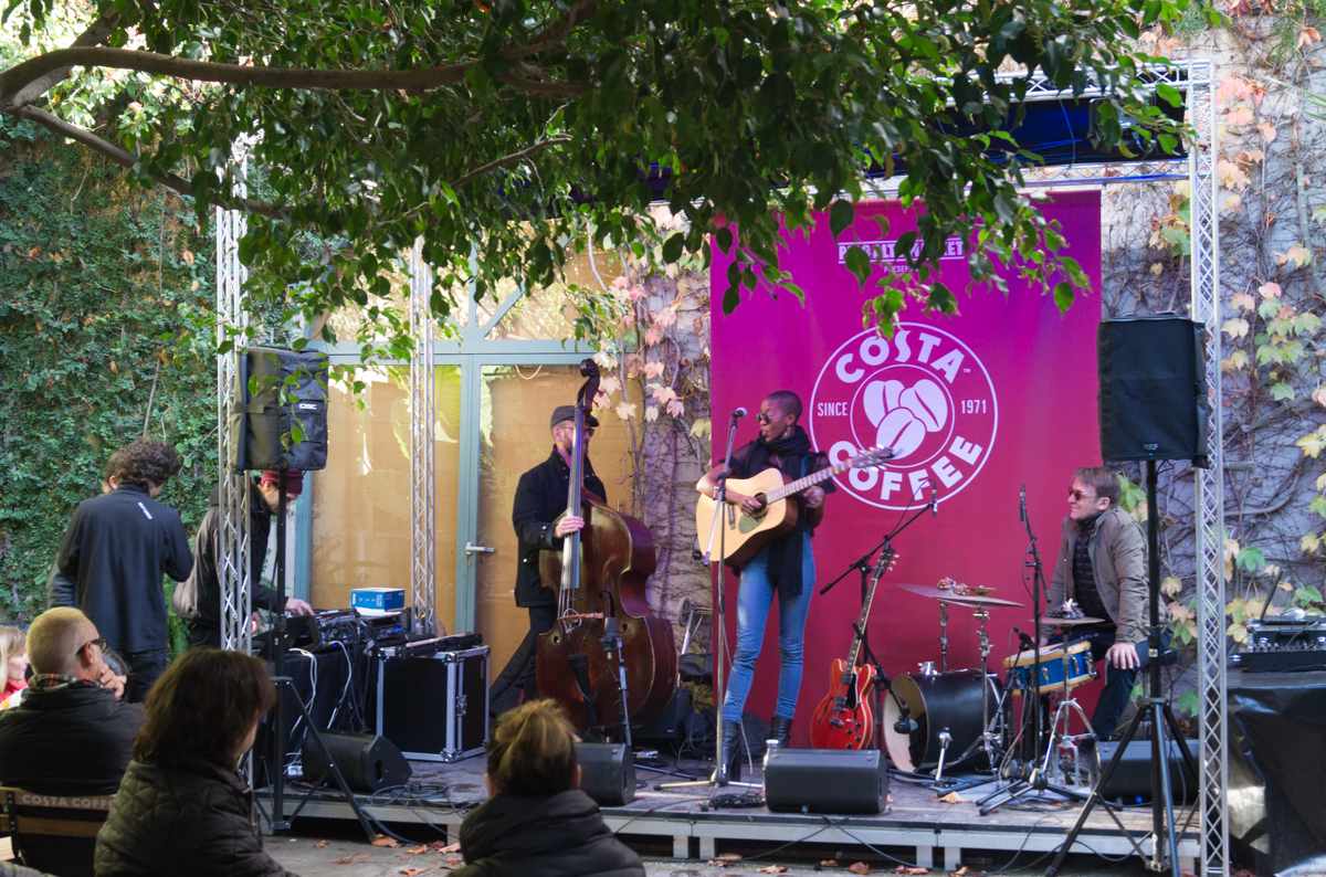 Live music at Palo Alto Market