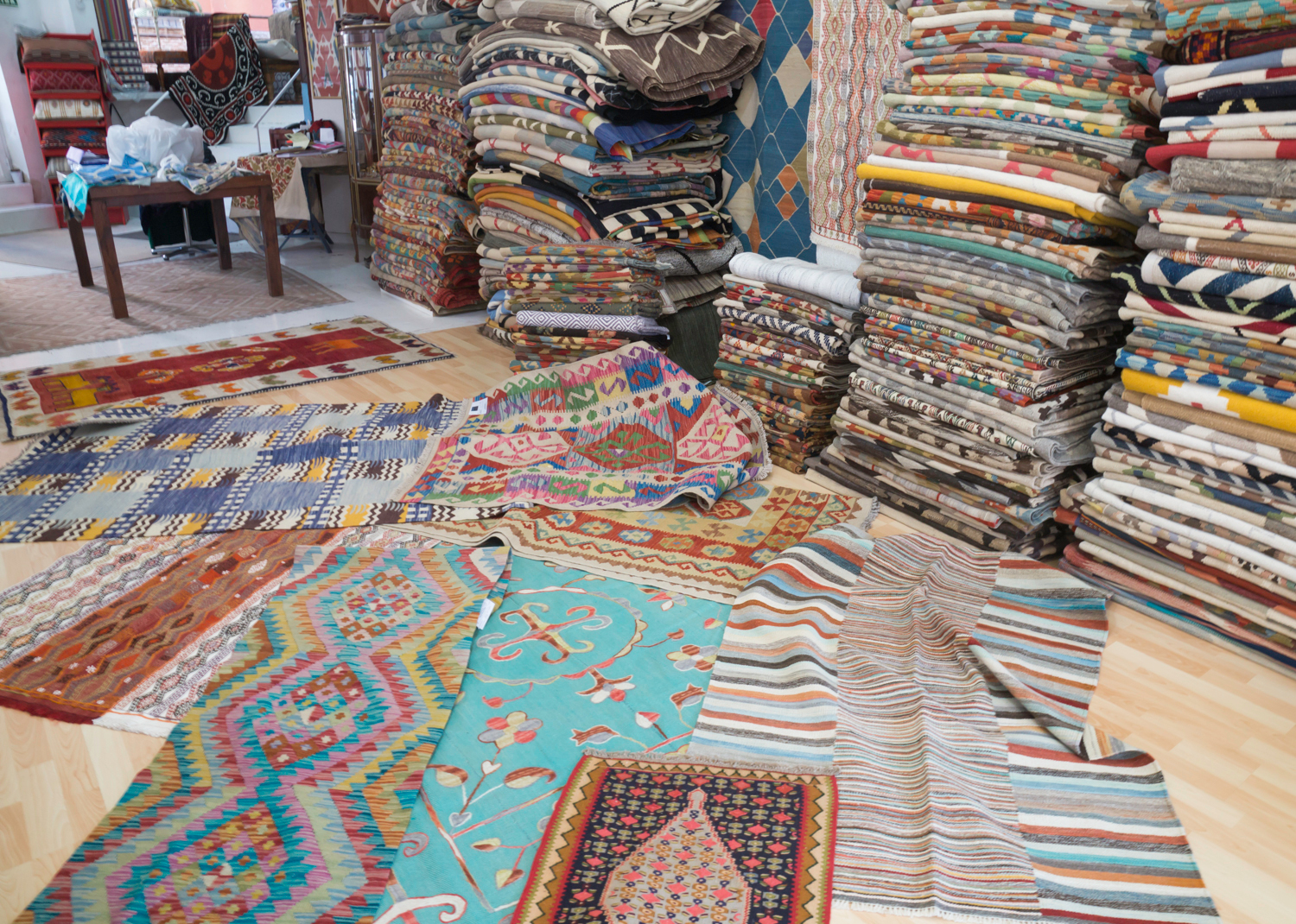 Tailak - rugs from Central Asia at Madrid Rastro