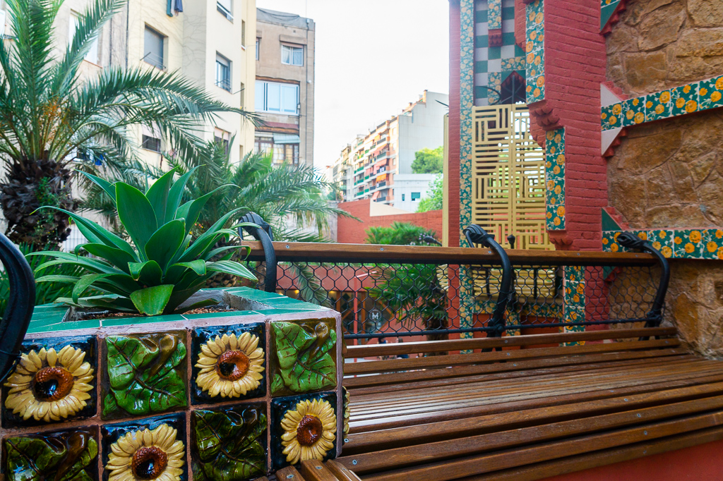 Casa Vicens terrace1