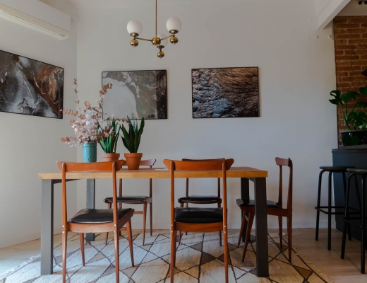 Barcelona Home tour: sun-lit retro style dining room