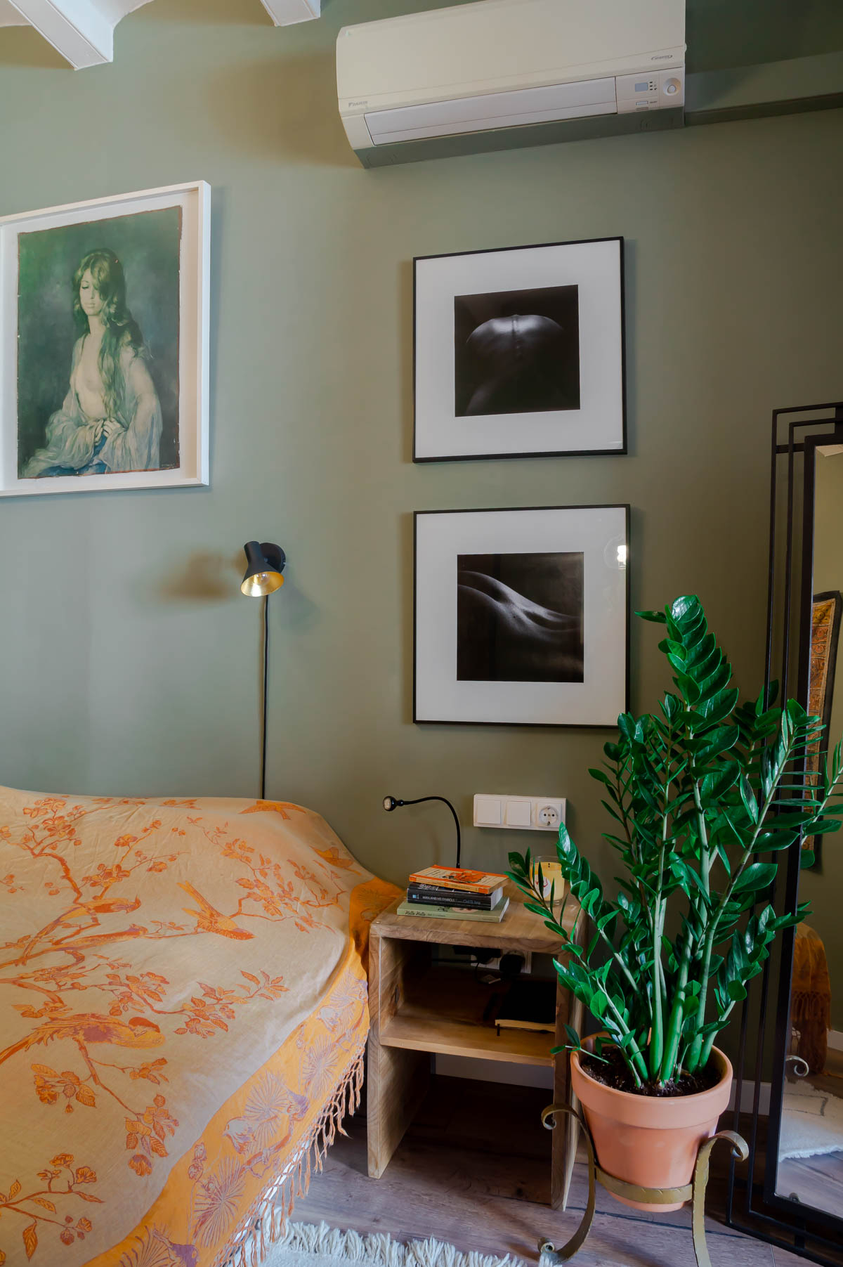 Barcelona home tour: sage green master bedroom