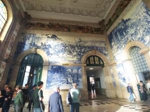 Sao Bento train station azulejos Porto
