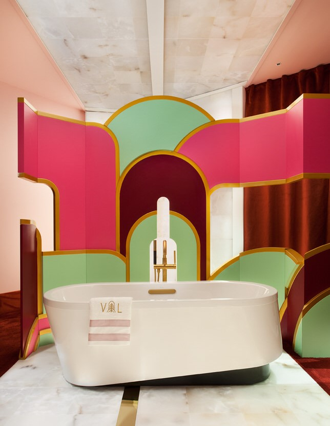 Vibrant art-deco bathroom designed by Viteri/Lapeña studio at Casa Decor 2019