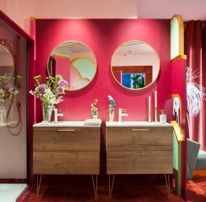 Vibrant art-deco bathroom designed by Viteri/Lapeña studio at Casa Decor 2019