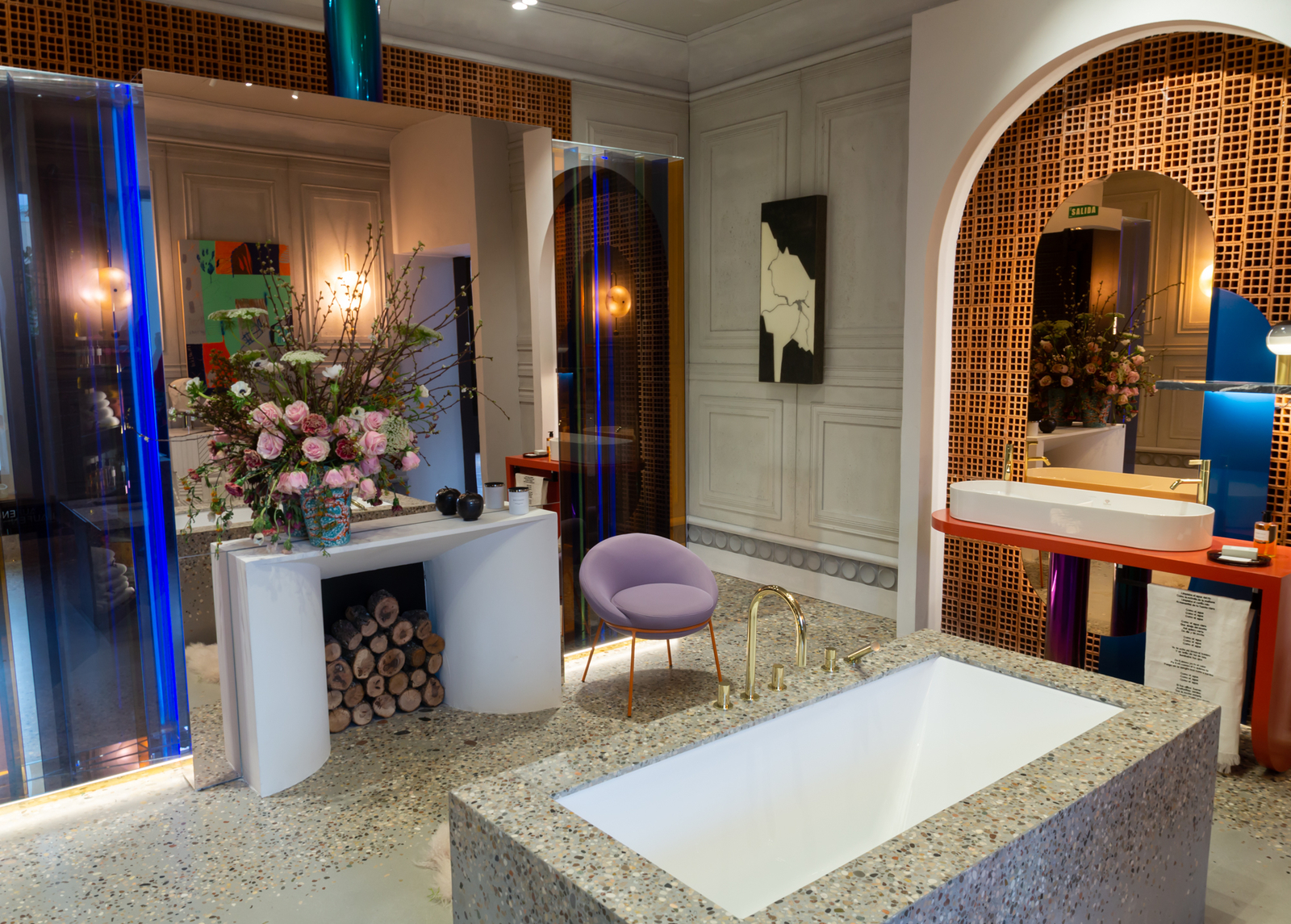 Eclectic bathroom designed by Pepe Leal for Laufen at Casa Decor 2019