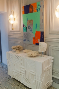 White sideboard from the eclectic bathroom designed by Pepe Leal for Casa Decor 2019
