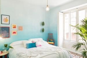 Valencia Lounge Hostel designed by Masquespacio: Blue ombre wall