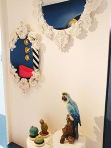 Lladró showroom - mirrors