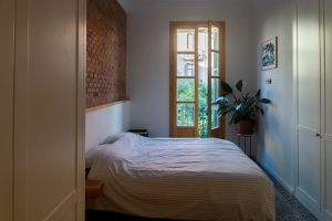Gemma home tour Barcelona bedroom