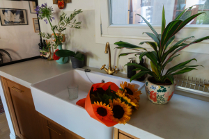 Gemma home tour Barcelona kitchen sink