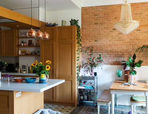 Gemma home tour Barcelona open space with kitchen and dining table
