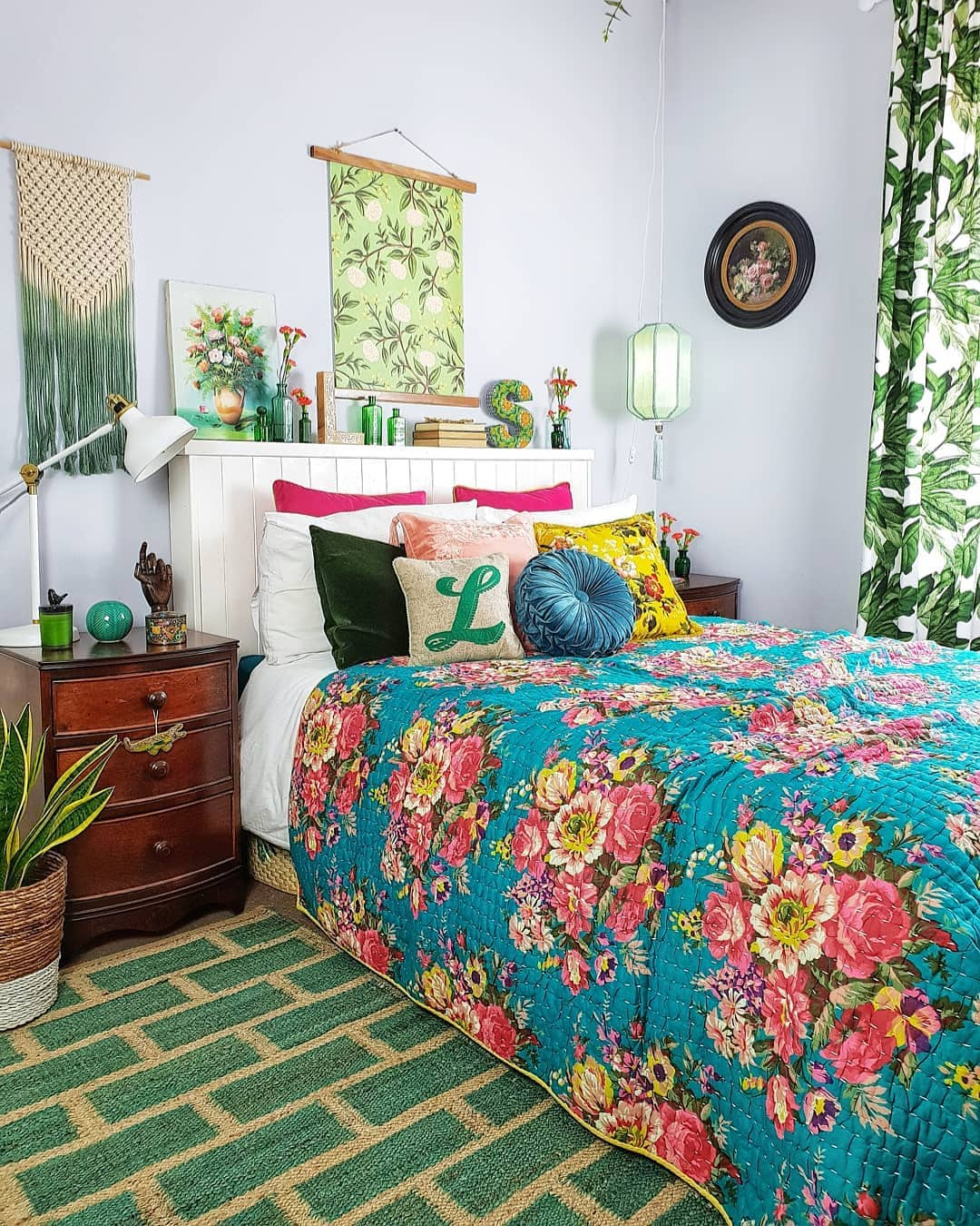 @lorriecos green bedroom
