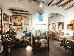 Artsy bookshop b8estudio in Barcelona